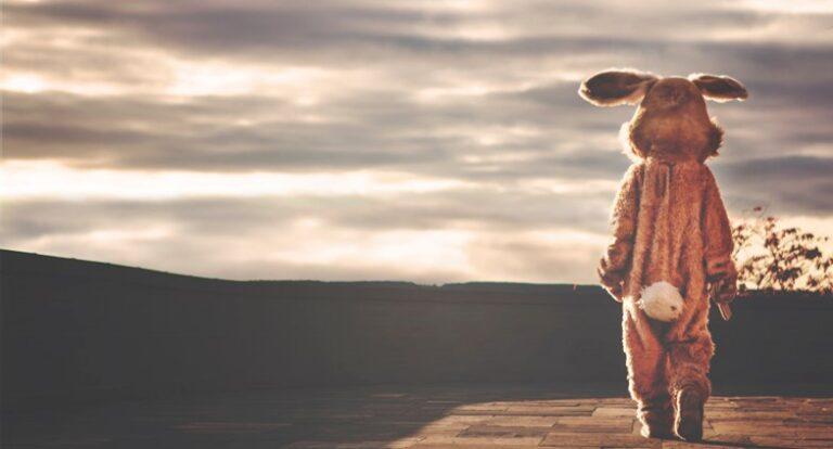 Fällt Ostern dieses Jahr ins Wasser und sollen wir das Fest mit dem Osterhasen überhaupt feiern?